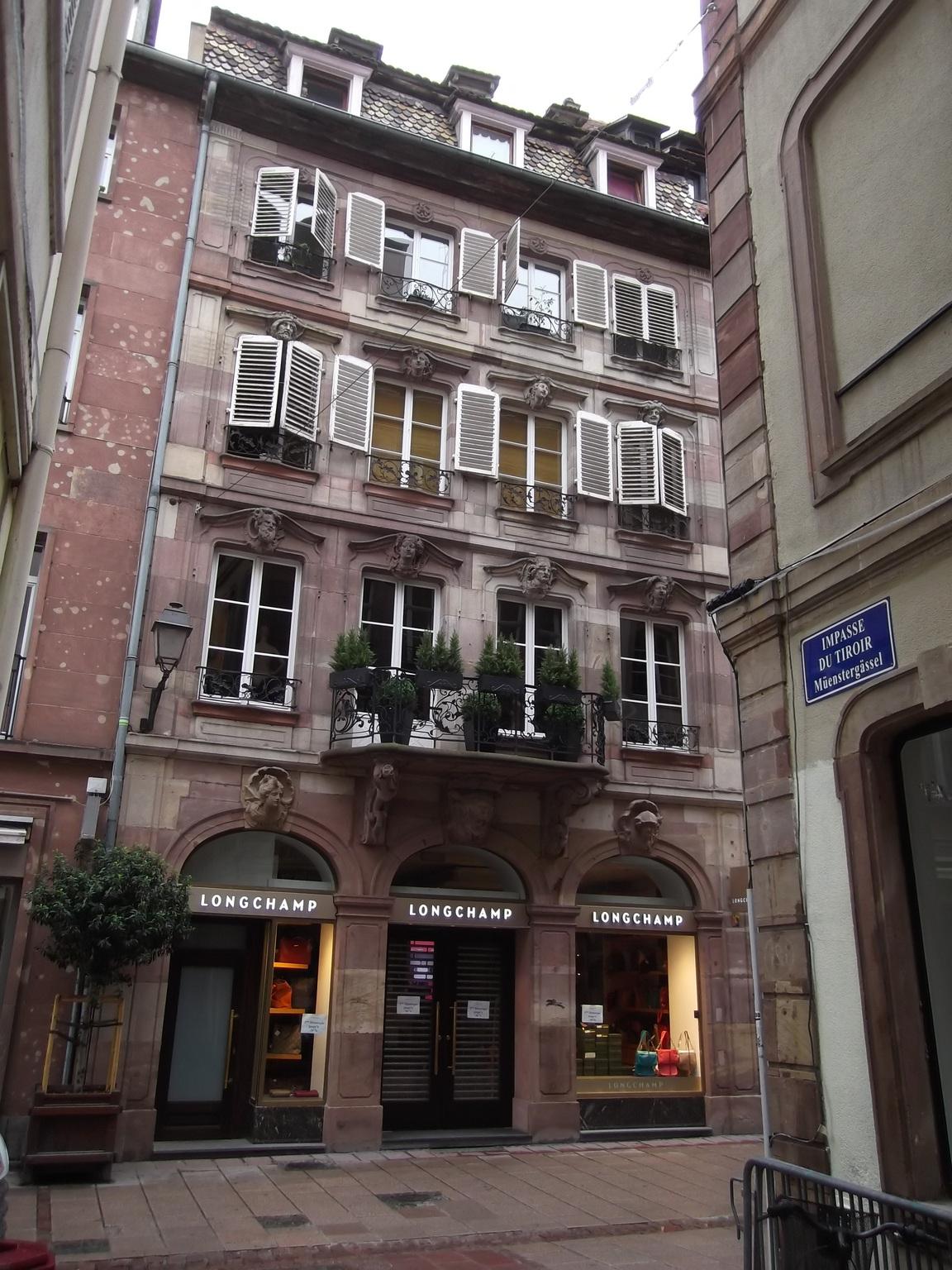 Maisons de strasbourg 17 rue du d me for Rue du miroir strasbourg