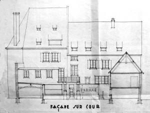 1934 Ecarlate 4, Façade sur cour