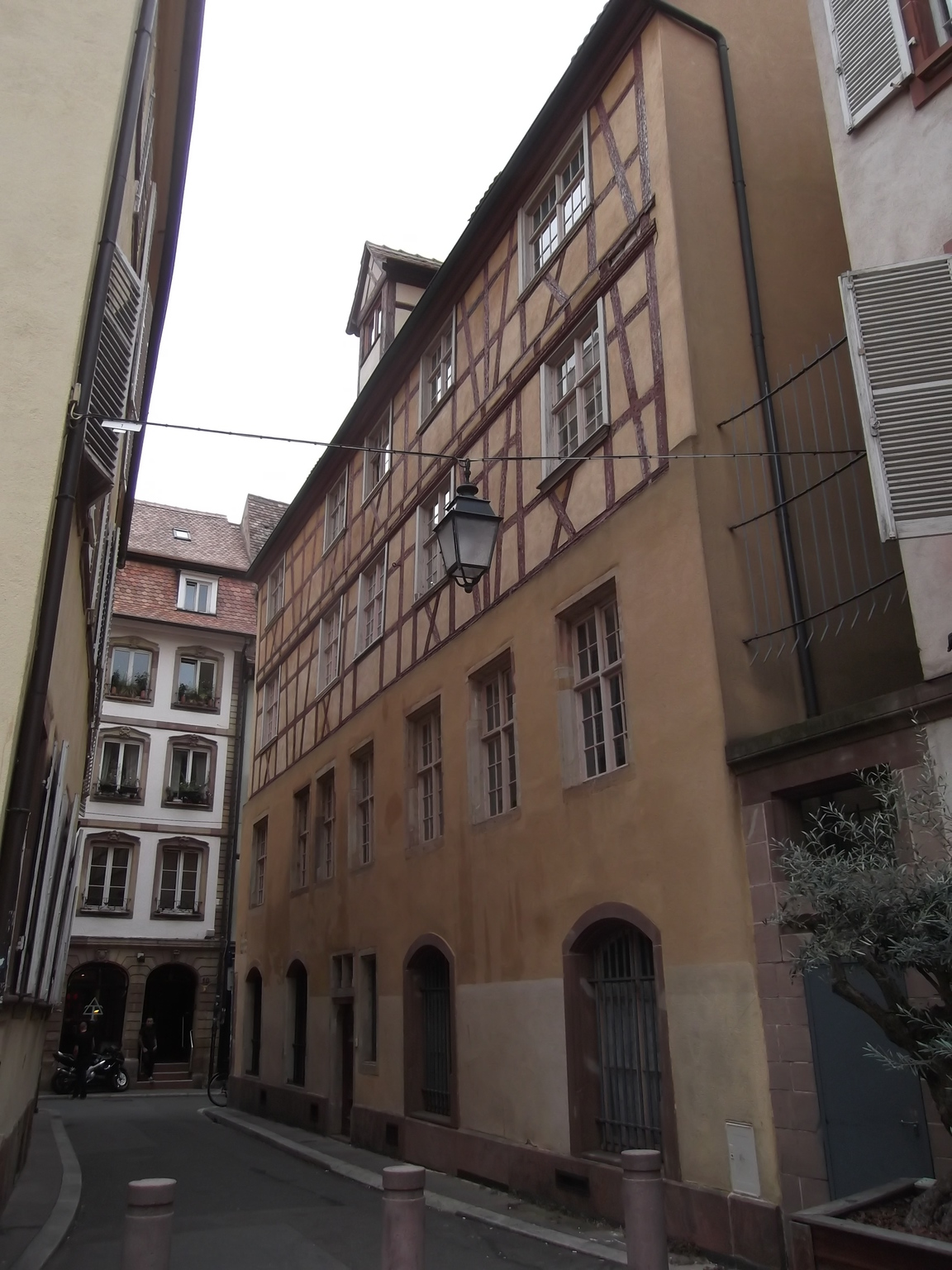 Maisons de strasbourg 5 rue de l epine for Rue du miroir strasbourg