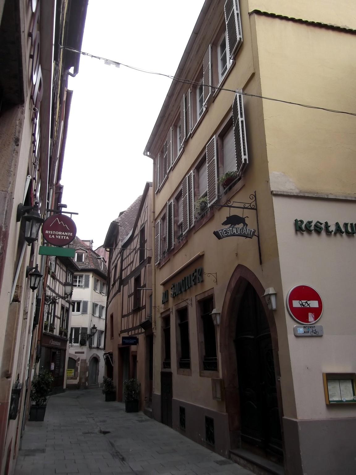 Maisons de strasbourg 11 rue du sanglier for Rue du miroir strasbourg